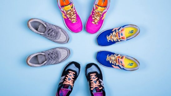 Pronađi svoj stil: Kako da nosiš patike na 4 stilizovana načina? (VIDEO)
