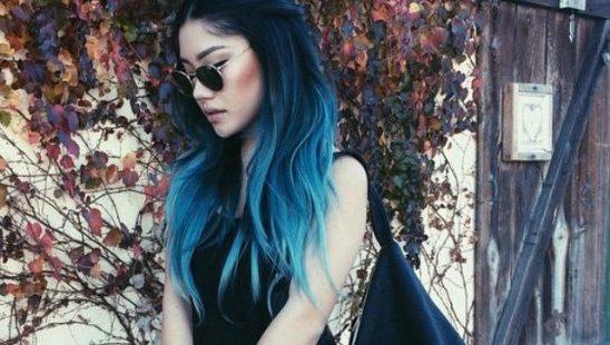 Okean plavi pramenovi u braon kosi – novi hair trend koji si dugo čekala!