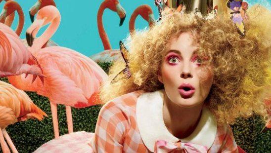 Flamingo roze makeup sve je popularniji u svakodnevnom šminkanju
