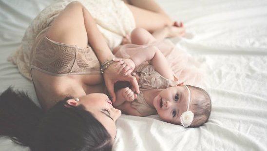 """Trudnoća je dar: Šta da radiš sa onima koji tvoje dete """"bolje poznaju"""" od tebe? (VIDEO)"""