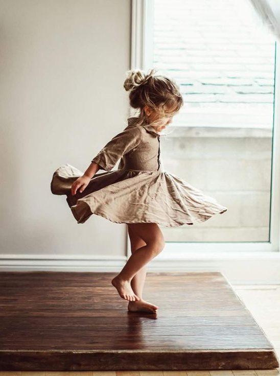 Trudnoća je dar:Kako da obučete svoje mališane u letnjem periodu? (VIDEO)