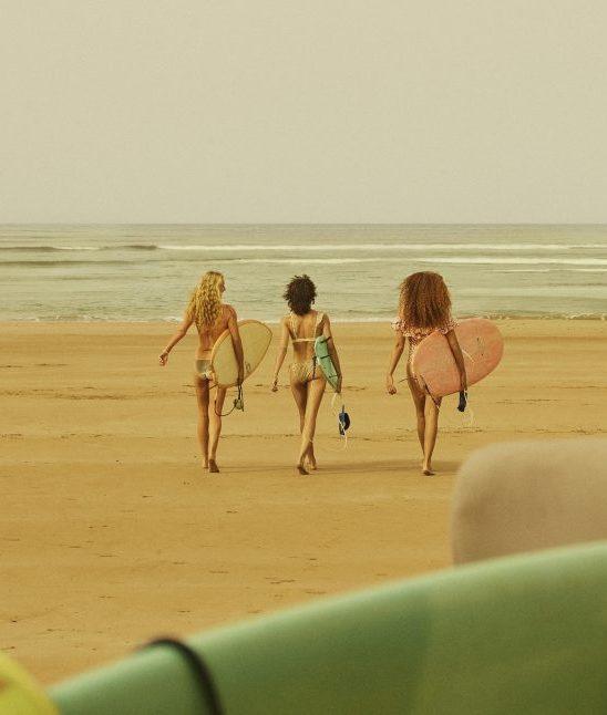 H&M ponovo sarađuje sa brendom LOVE STORIES: Ekskluzivna linija kupaćih kostima od 13. juna