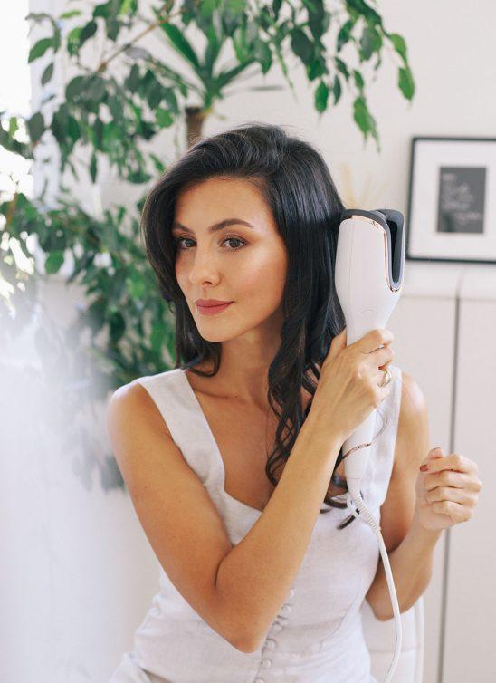 Sara Oster ti otkriva jednostavne trikove kako da stilizuješ kosu i tokom leta, a da je ne oštetiš!