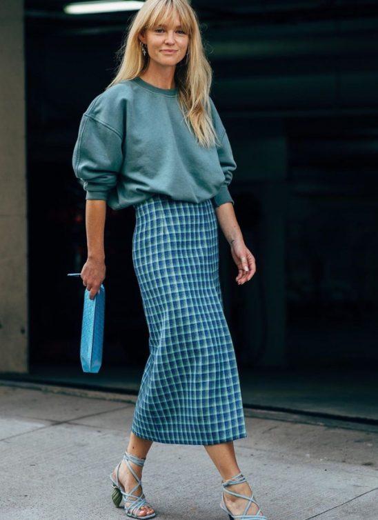 Kako da nosiš midi suknju ove sezone