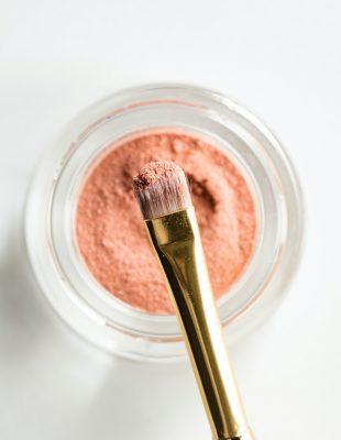 Kako da prepoznate koji je rok trajanja šminke