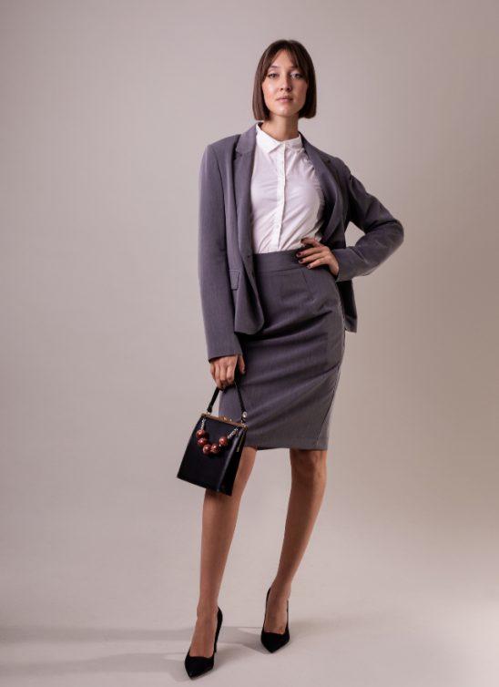 Izaberi trendy Esmara poslovne odevne komade – Budi sigurna u ono što nosiš