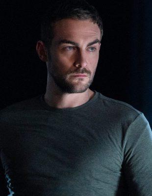 """Popularni britanski glumac Tom Austin u ulozi demona u seriji """"Helstrom"""""""