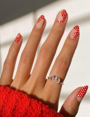 Ovo je 8 novih šik načina na koje možete nositi klasični, crveni lak za nokte