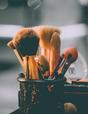 Koliko često bi trebalo da čistimo četkice za šminkanje?