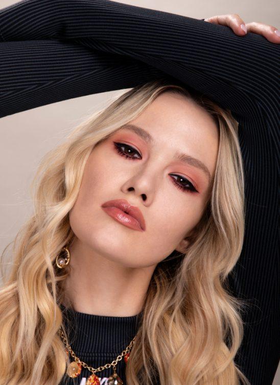 Blistav izgled tokom čitavog dana: ovo su 4 letnja makeup look-a preporučena od strane profesionalnog šminkera