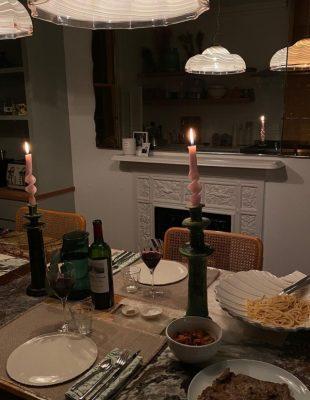 Ovo su saveti Parižanke Camille Charrière za savršenu večeru za prijatelje u stanu