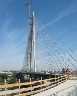 Prvi put na mostu preko Ade