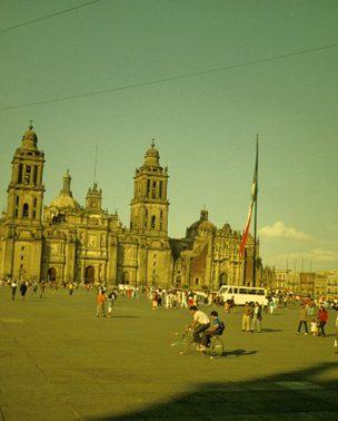 Trk na trg: Plaza del Zócalo, Meksiko Siti